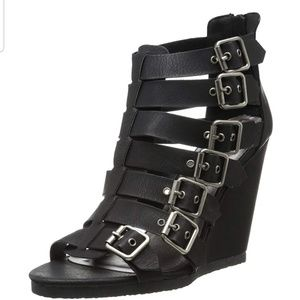 RARE NWOT Maddengirl Duff Gladiator Sandal, Sz 6M